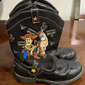 Woody Boots